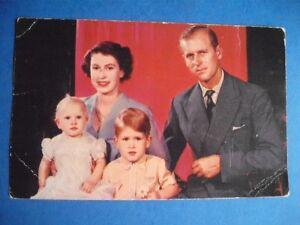 THE-ROYAL-FAMILY-VINTAGE-POSTCARD-QUEEN-ELIZABETH-THE-SECOND-DUKE-EDINBURGH