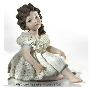 Statuina in porcellana italiana figurina di ragazzina seduta bambina sopramobile