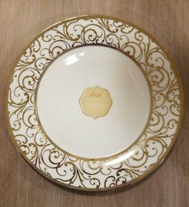 NEW-4-Ciroa-Luxe-Porcelain-with-Metallic-Accent-Gold-Velluto-Dinner-Plates