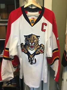 Game-Worn-Signed-Willie-Mitchell-Florida-Panthers-Captain-Jersey