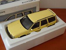 AutoArt 79506 - Volvo 850 T-5R Estate 1995 ( Cream Yellow ) - 1:18