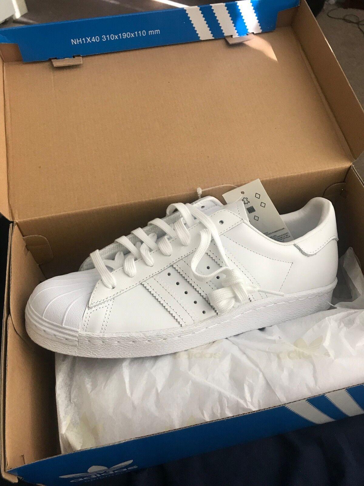 White superstar 80s original new. (men's) size 8. Brand new. original In a box. 567ff0