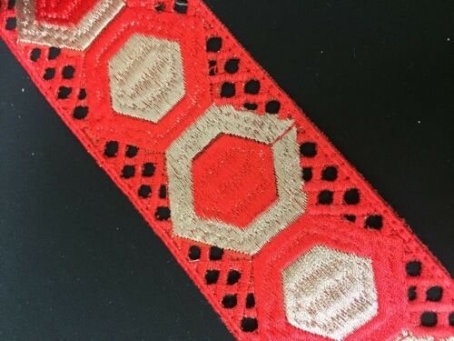 """2/"""" 53mm Hexagon celtic Embroidered Trim//Lace x 1m"""