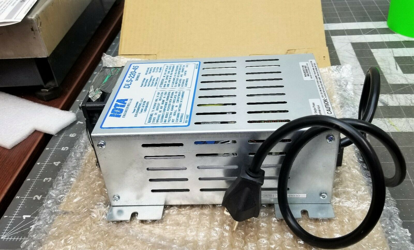 Iota Battery Power Converter Charger 220/240 VAC IN 13.6 VDC OUT @ 45 AMPS [B9S2