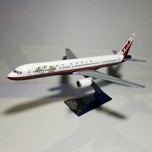 FLIGHT-MINATURE-TWA-034-LAST-SCHEME-034-757-200-1-200-SCALE-PLASTIC-SNAPFIT-MODEL