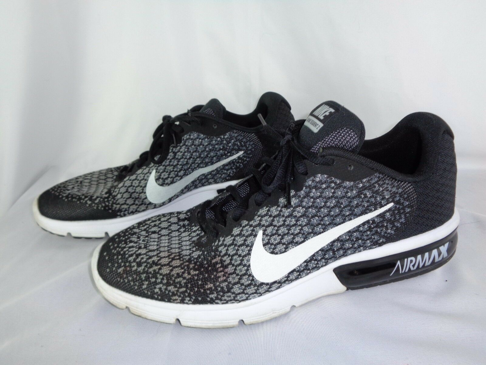 Nike Air Max Sequent 2 Mens 852461-005 Black & White Running Shoes Size 10.5