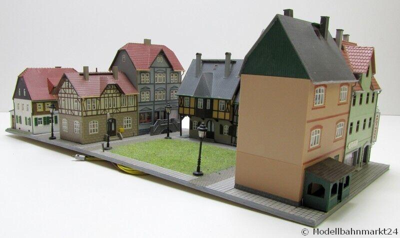 Stadtkern mit acht Gebäuden beleuchtet Spur H0 1 87