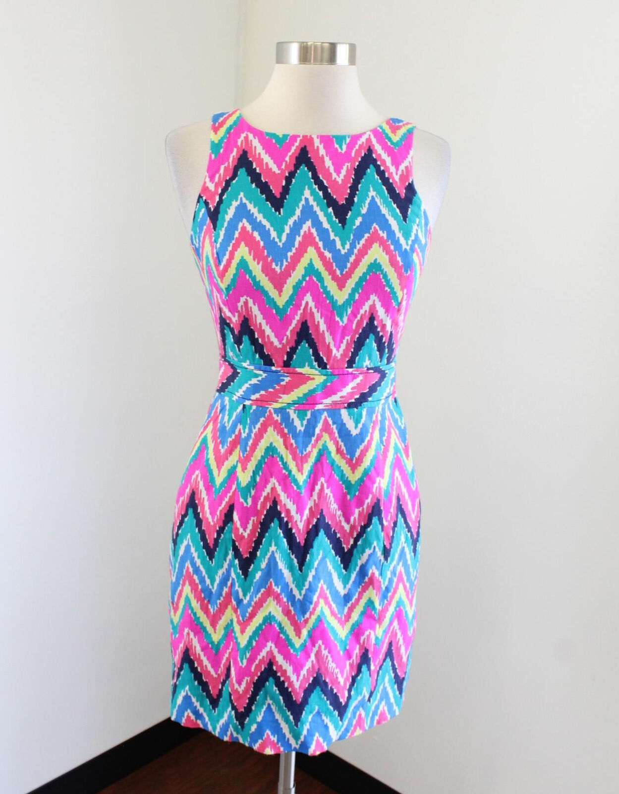 Lilly Pulitzer Kirkland Dress Multi Hearts a Flutter Chevron Print Size 00 Shift