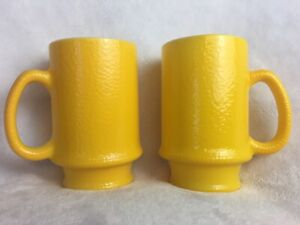 Lot-Of-2-Vintage-Coffee-Cups-Mugs-Anchor-Hocking-Fire-King-Yellow-Stackable
