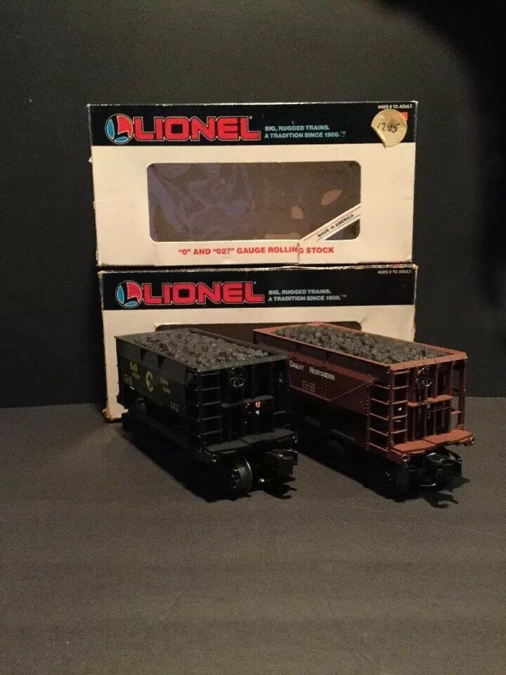 2 LIONEL ORE CARS CHESSIE  B &O  6-19305   GREAT NORTHERN WITH ORE LOAD 6-19308