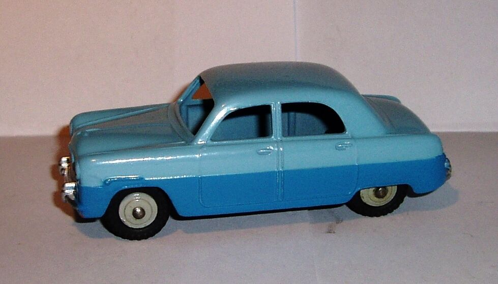 Dinky 162 1950's EXCEPTIONAL Rare Ford Zephyr Saloon MINT in MINT BOX. Superb