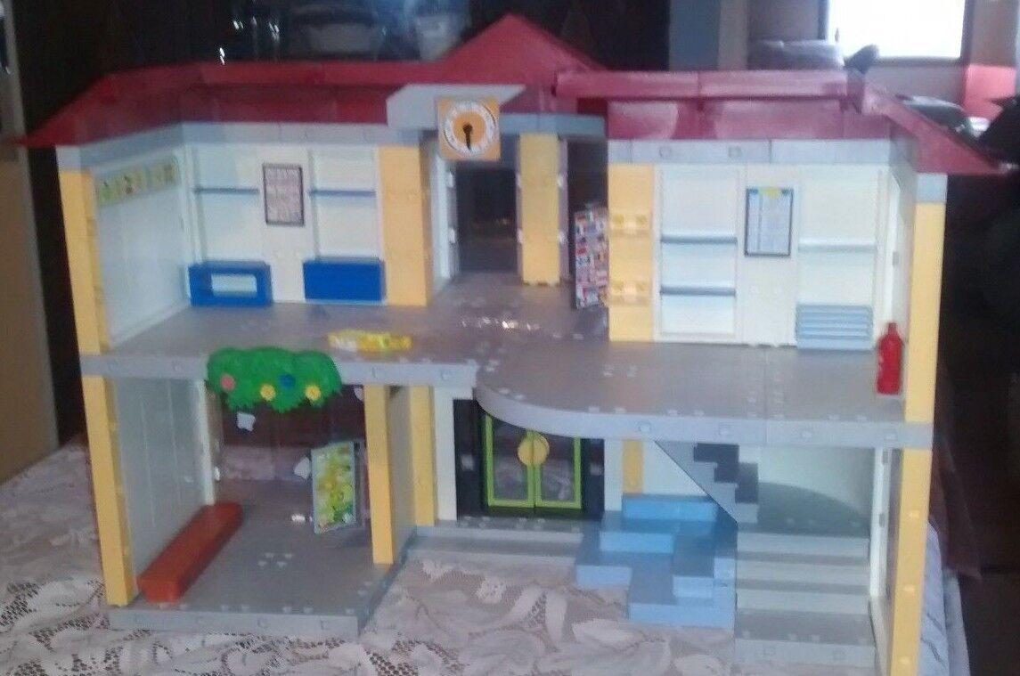 Playmobil  5923 School complet de construction et quelques meubles