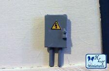 1:32 SCALE ELECTRICAL FUSE BOX MINIATURE FARM DIORAMA  FOR BRITAINS WM064