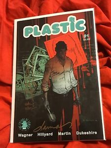 PLASTIC-1-1st-PRINT-SOLD-OUT-SIGNED-ANDREW-ROBINSON-DOUG-WAGNER-LAURA-MARTIN