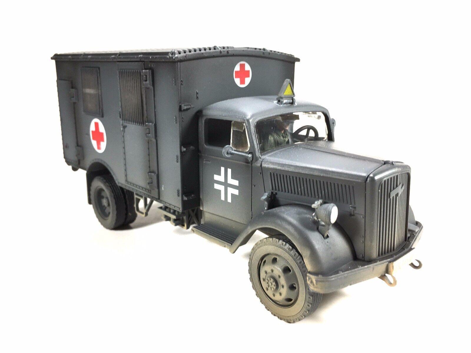1 32 Unimax Forces of Valor Diecast  Deuxième Guerre Mondiale Allehommed OPEL BLITZ Medic Ambulance de campagne  centre commercial professionnel intégré en ligne