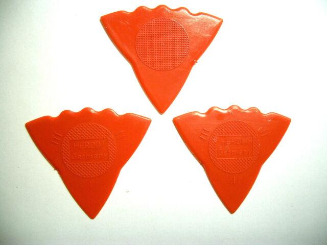 ELWE Plektren Zelulloid Dreieck 12 Plektren in 3 Stärken dünn