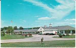 Keene-NH-034-The-Winding-Brook-Lodge-Motel-034-Postcard-New-Hampshire-FREE-US-SHIP