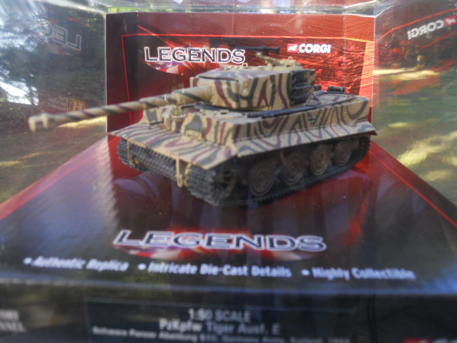 CORGI  MILITAIRE REF CC 60506 CHAR TIGRE I SABLE CAMO 2 TONS MINT IN BOX