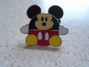 Disney's Round Mickey Mouse Pin Badge