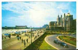 Undated-Unused-Postcard-View-over-Boardwalk-in-Atlantic-City-New-Jersey-NJ
