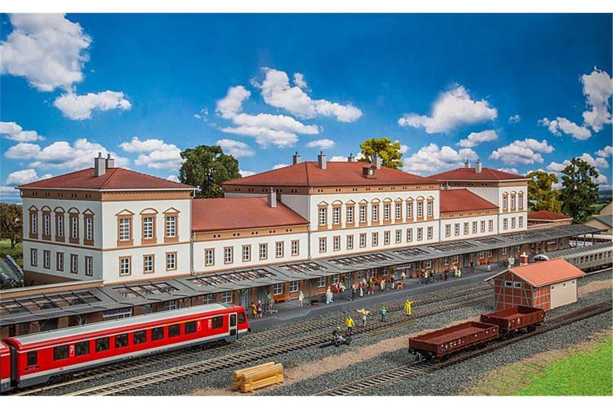 minoristas en línea Faller 190297 HO 1 87 Gare de Friedrichstadt Friedrichstadt Friedrichstadt - Friedrichstadt Station  70% de descuento