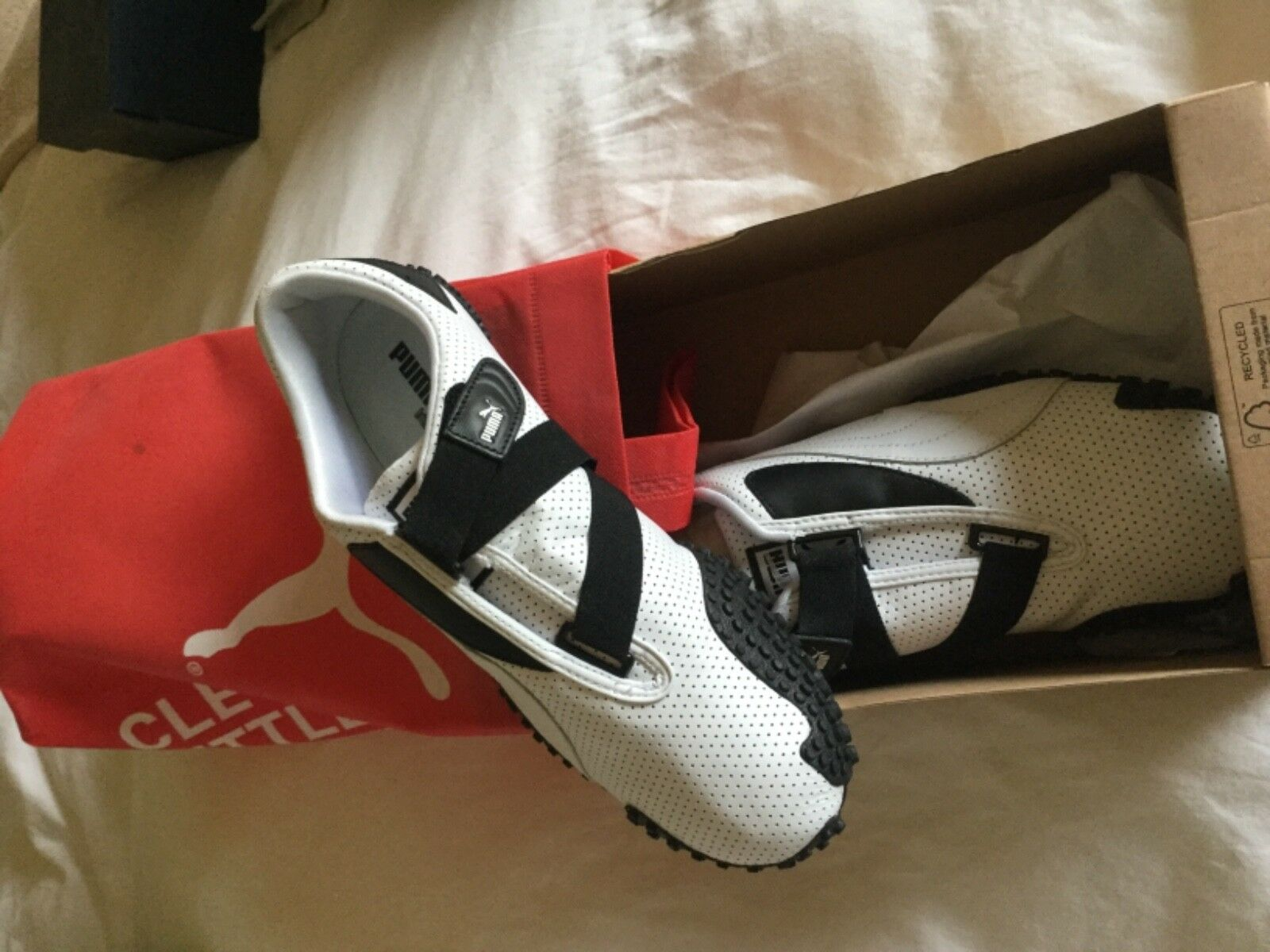 Puma Mostro Perf Leather -size White and black sneaker -size Leather 10.5 277237
