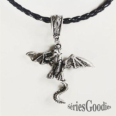 bijou celtique gothique medieval pendentif Dragon sur collier en cordon tressé