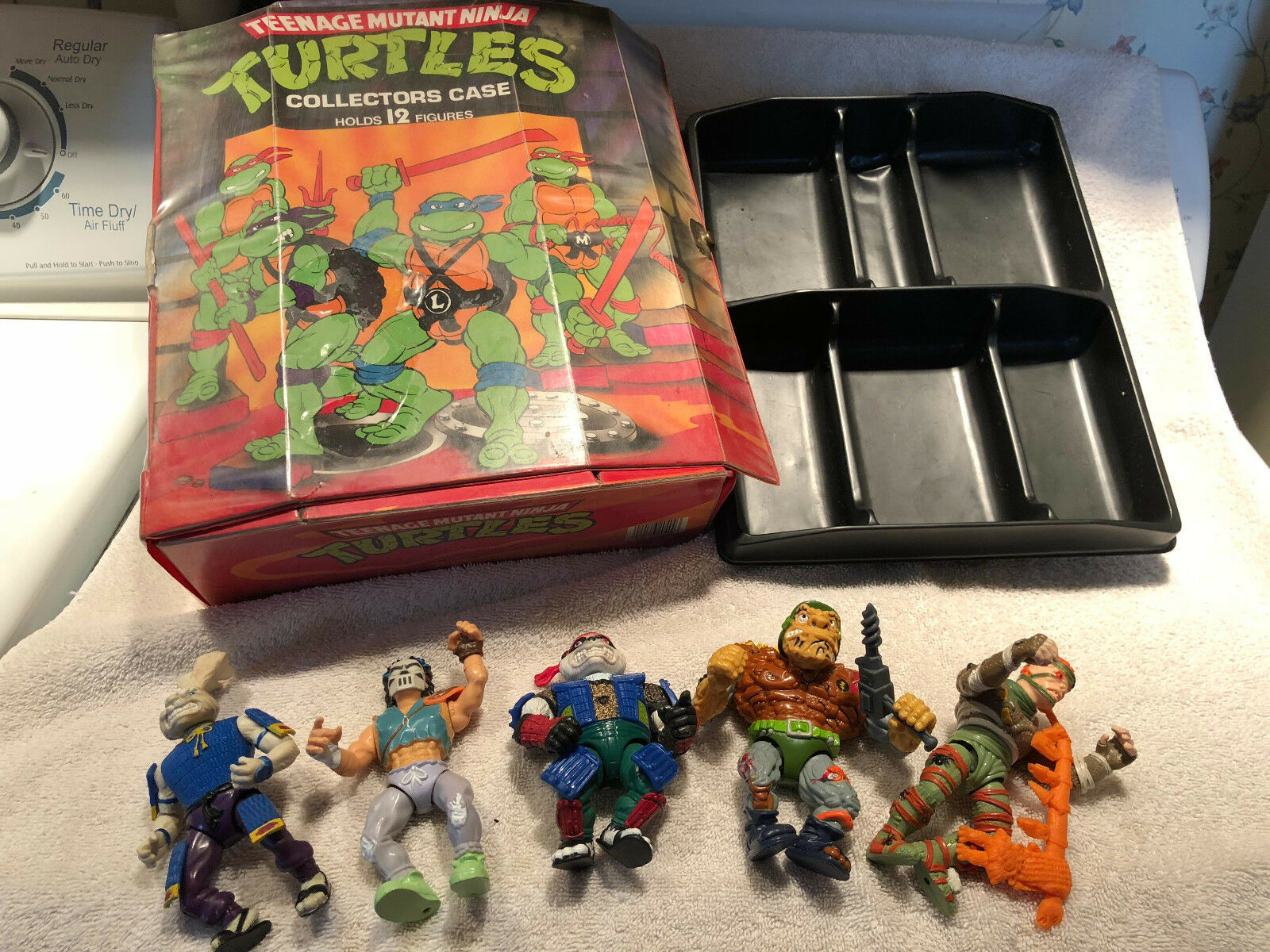 Vintage Teenage Mutant Ninja Turtles Case w/5 Figures-Rat KIng, Panda, Tragg,