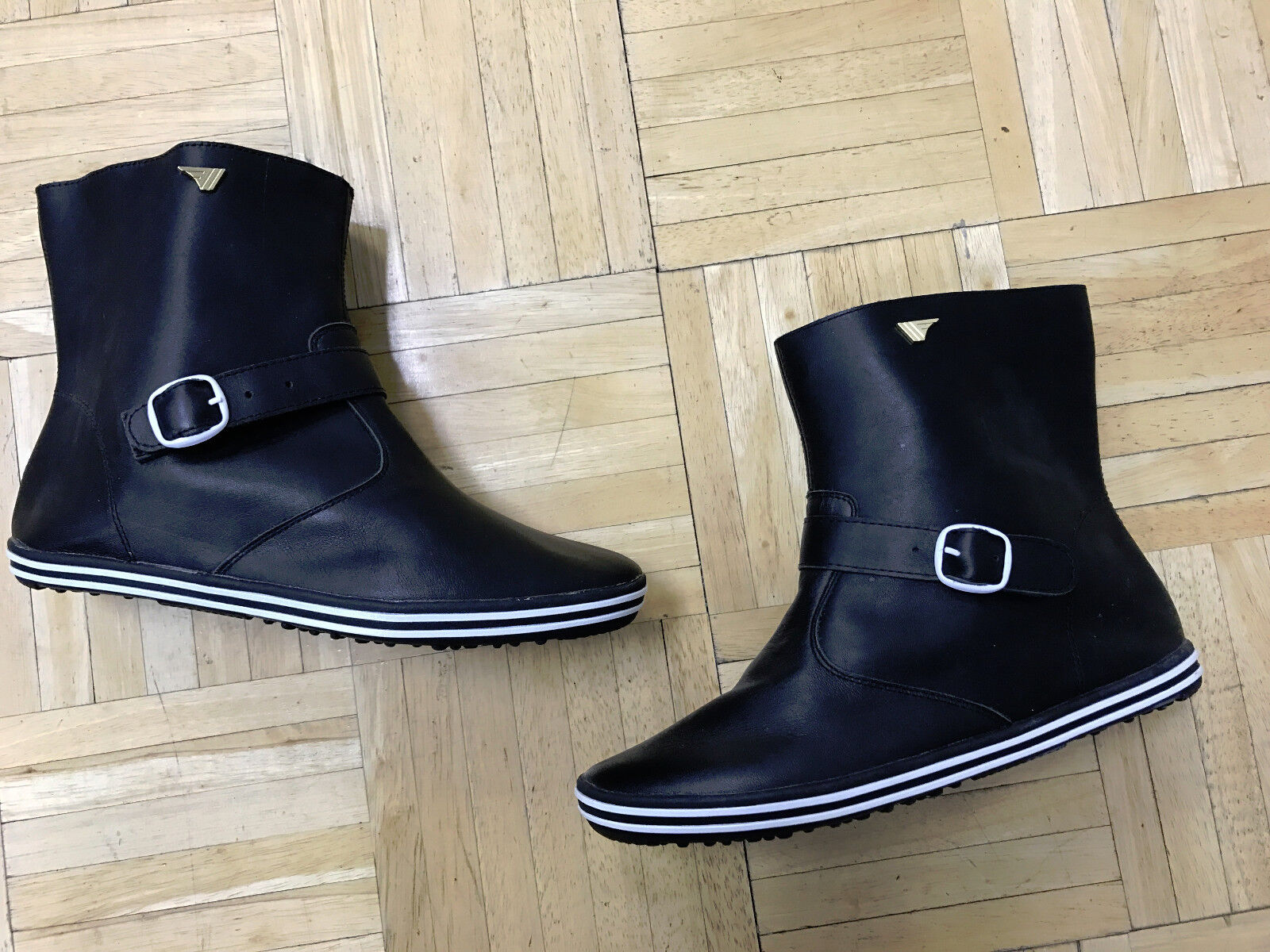 ***NEW*** Gola Spring women's boots Lite Weight. Leather.