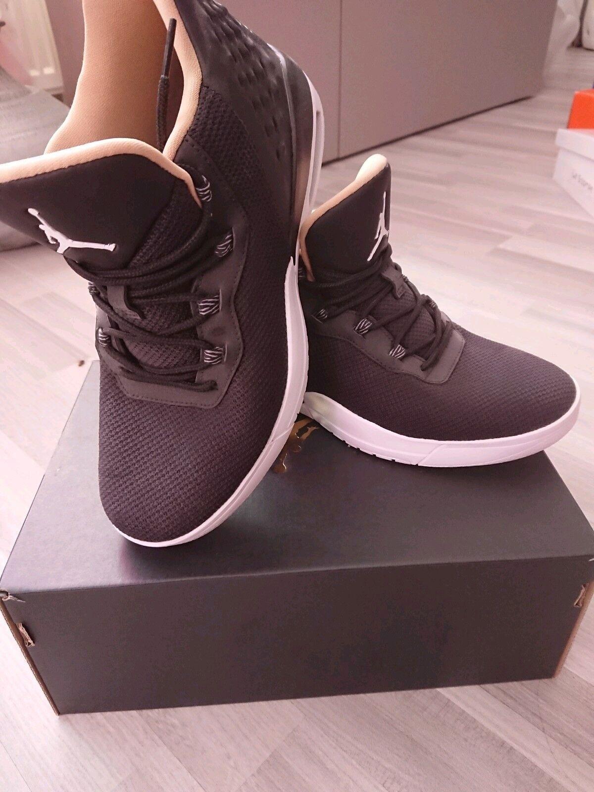 Nike Jordan academy BG Größe 39 wie neu