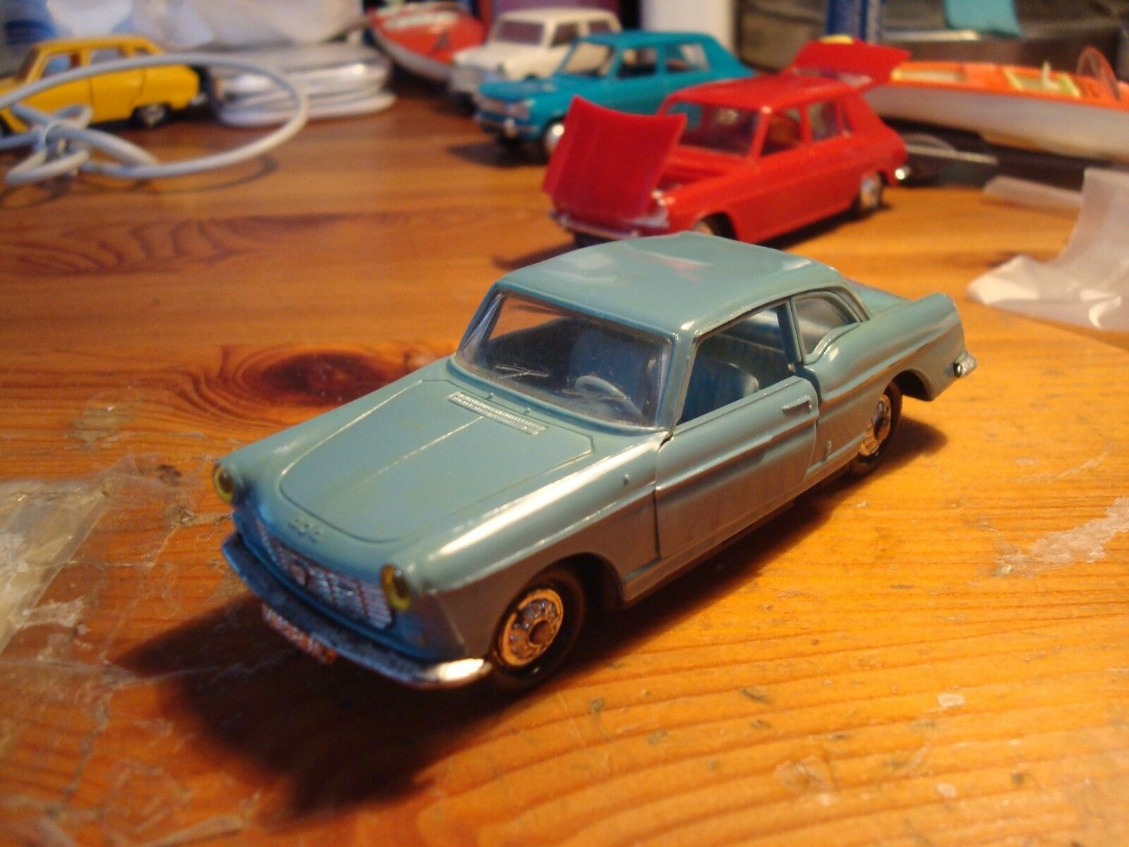 NOREV PEUGEOT 404 COUPE N° 71