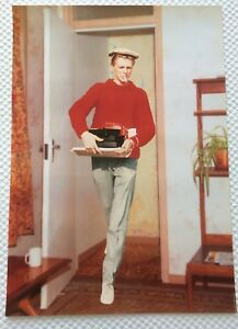 RARE-DAVID-BOWIE-POSTER-FROM-BOWIEVIRUS-EXHIBITION-2013