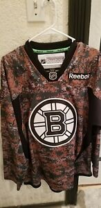 watch 7e933 01dda Details about Reebok Boston Bruins Camo Jersey Green Mens Medium Sewn  Veterans Day Bergeron