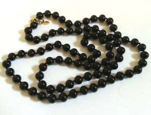 Vintage-MONET-Black-Onyx-Glass-Bead-Individually-Knotted-Gold-Necklace-Jewelry