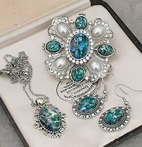 RARE-Vintage-Green-Blue-Fire-Opal-Glass-Large-Brooch-Earring-Pendant-Set