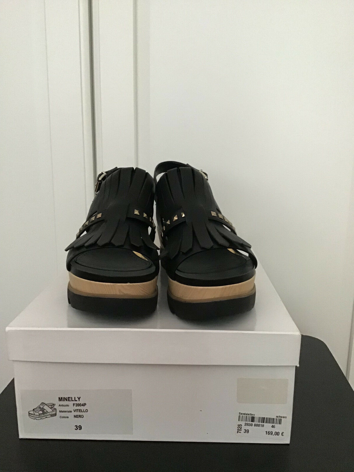 Neu Karton mit 39 Gr. Schwarz Sandalen schwarz Vitello