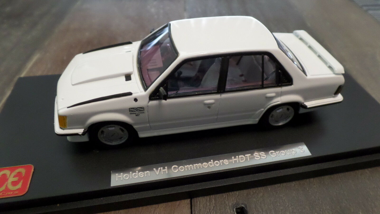 HDT 1980 Holden VH Commodore SS Group 3 in bianca - 1-43 scale By ACE