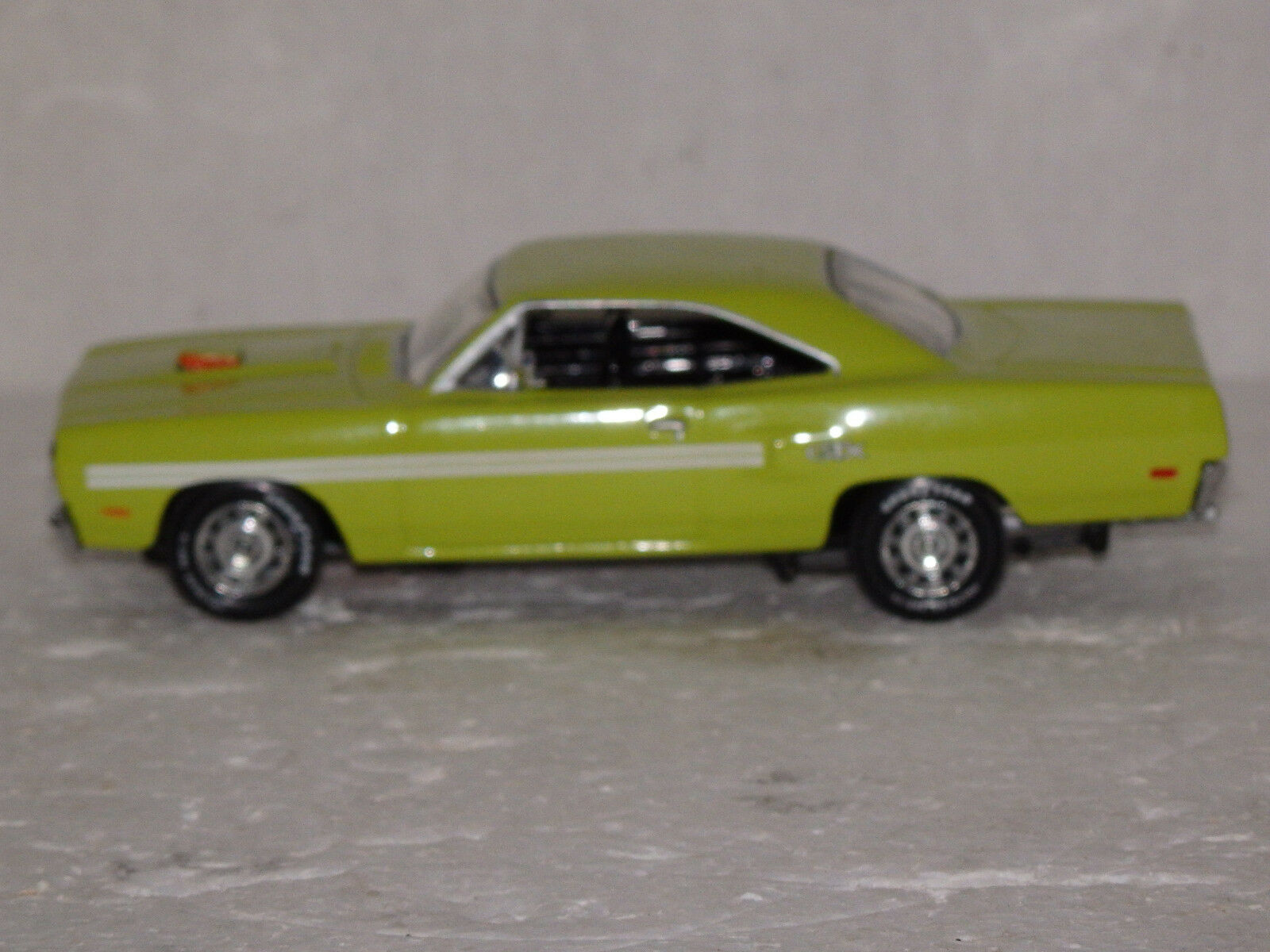 MATCHBOX 1970 PLYMOUTH GTX GREEN YMC07-M 1 43