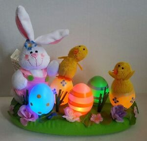 Avon-Light-Up-Easter-Bunny-Chicks-and-Colored-Eggs-Centerpiece