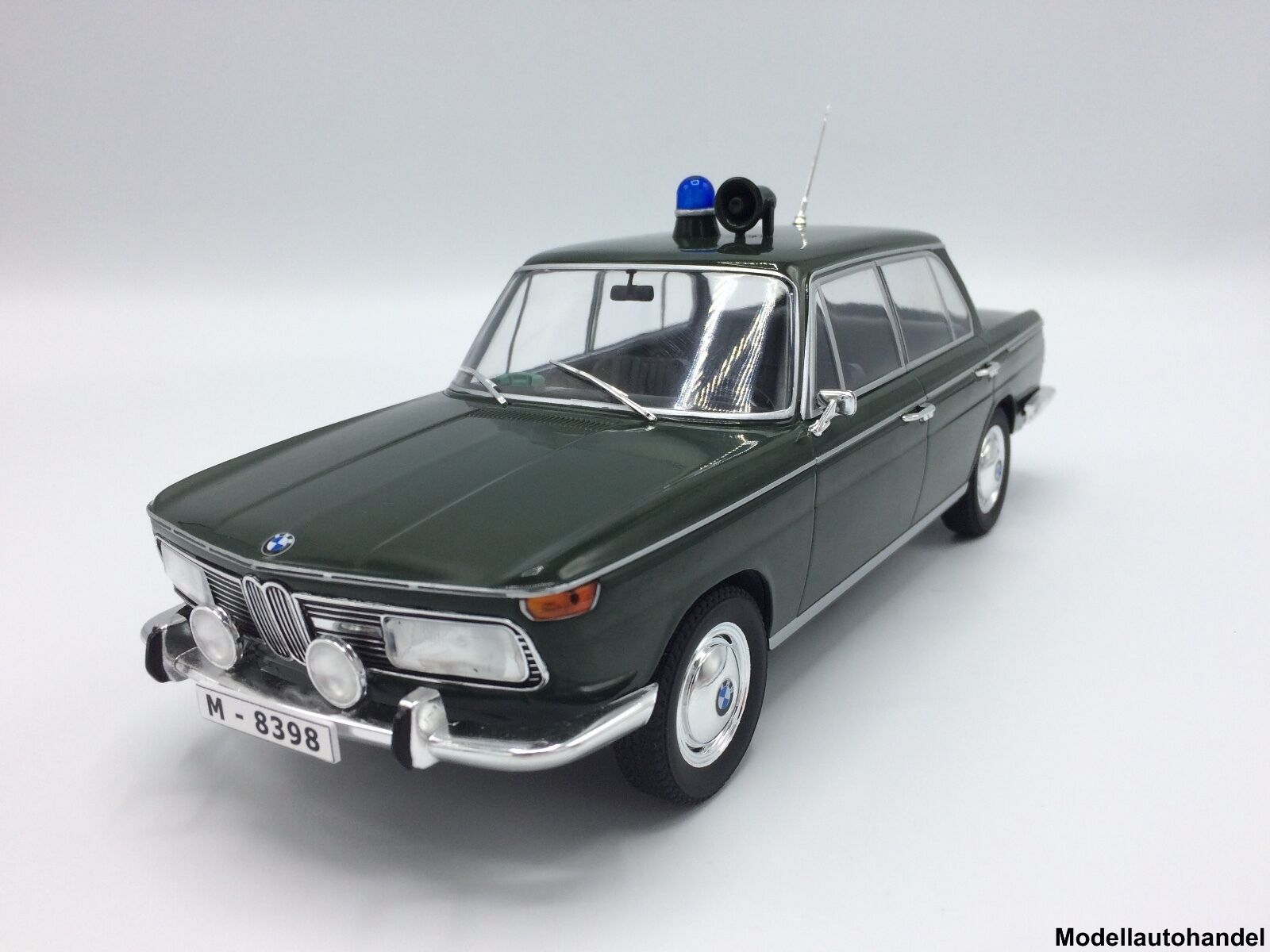 BMW 2000 TI (type 120) Police 1966 - 1 18 MCG    NEW