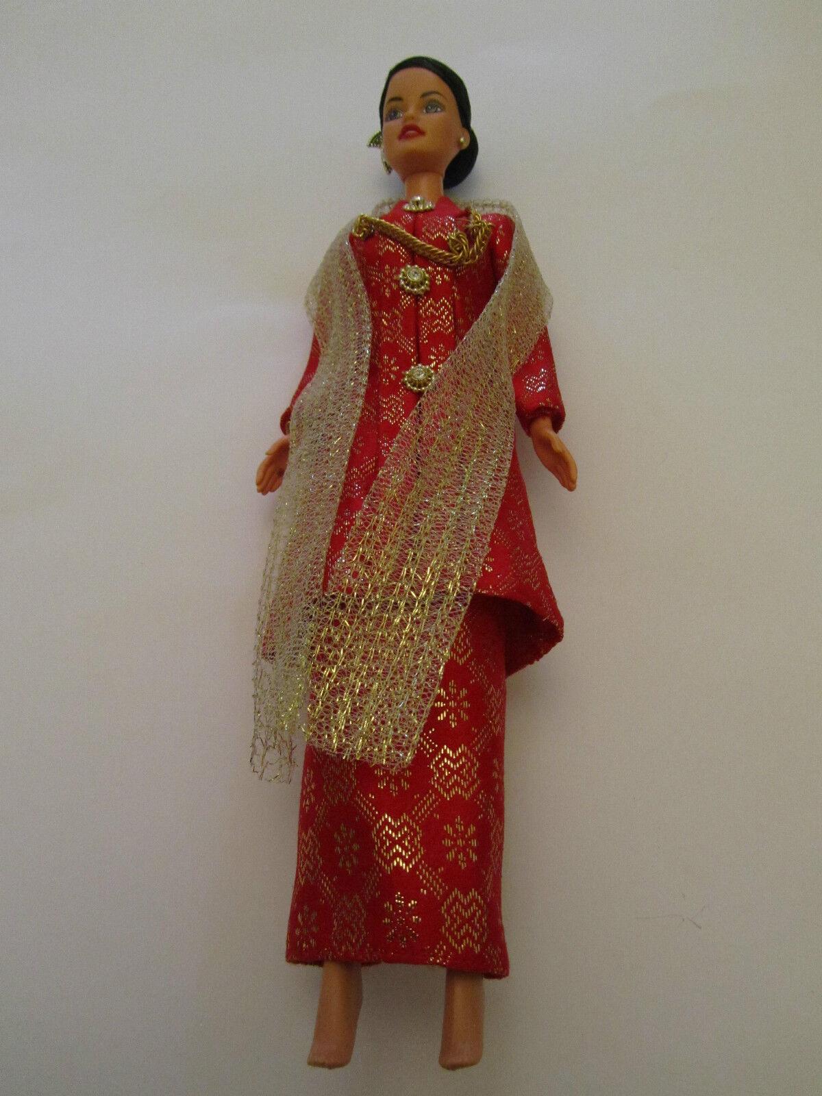 Barbie Barbie Barbie Dolls of the World Malaysian Malaysia - unused no schuhe - Apec 98 - Rare b5b745