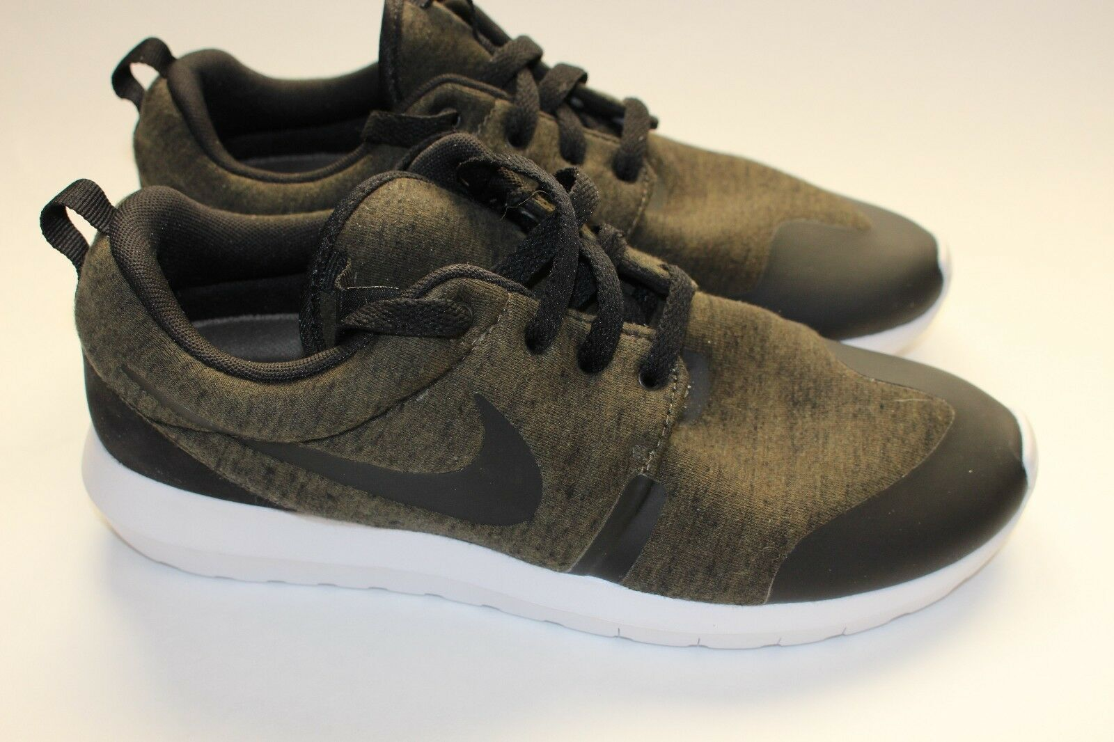 Mens Nike Roshe NM Natural Motion Athletic Running Shoes Size 8 new
