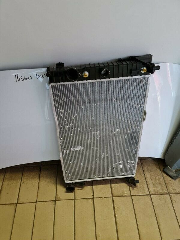 2012 MERCEDES BENZ 276 ENGINE V6/63 RADIATOR WITH OIL COOLER FOR SALE IN GOOD CONTION