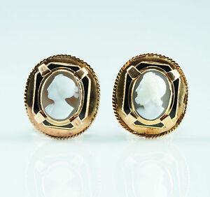 Unique-Agate-Stone-Cameo-around-1840-antique-Earrings-Gold-Classicism