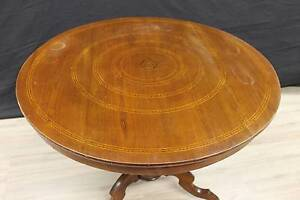 Tavolo da salotto stile rollo in legno di olmo intarsiato a motivi ...
