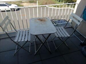 Détails sur Ancien salon de jardin pliant table chaises fer et bois