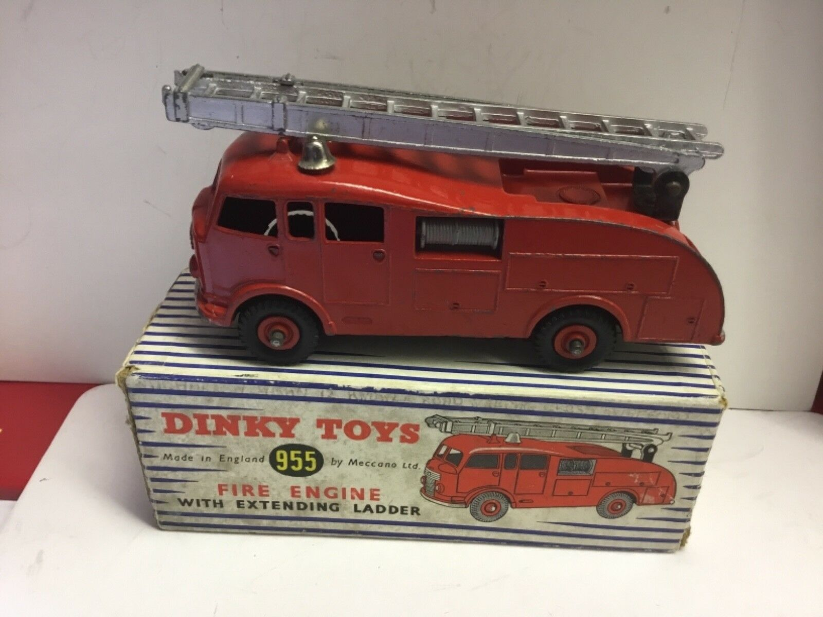 DINKY SUPERTOYS 555 COMMER COMMER COMMER FIRE ENGINE.GOOD IN VERY GOOD ORIGINAL BOX 8f2df3