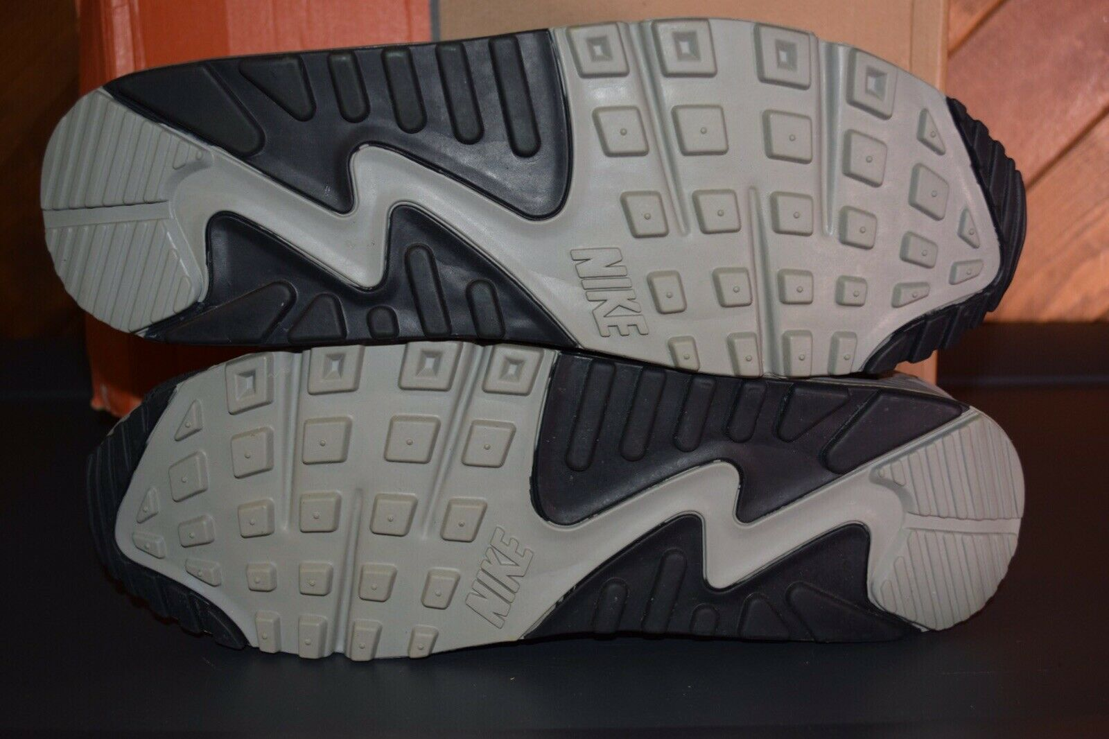 buy online 7379f 66e66 ... Men s 2005 NIKE AIR MAX 90 LEATHER MAIZE GREY BRAND NEW, NEW, NEW, ...