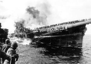 B-amp-W-Photo-USS-Franklin-Carrier-Damaged-US-Navy-1945-WWII-WW2-World-War-Two-USN