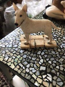 Bull-Terrier-Statue
